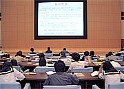 県立図書館の視聴覚ホール・閲覧室