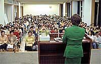 取手市内で青山二三衆議員議員を迎え女性党員研修を開催