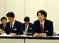 メディアパークつくばの自己破産について説明をする花岡企画部長