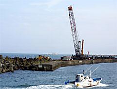 北朝鮮船籍の貨物船チルソン号の解体撤去作業