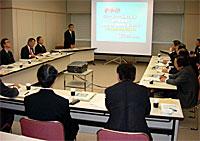 北海道警察本部で「割れ窓理論の実践」について説明聴取