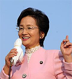 つくば市内で街頭遊説を行う浜四津敏子代表代行