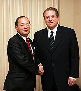 加藤しゅういち参議院議員と元アメリカ副大統領アル・ゴア氏