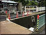 金沢川の車両転落現場