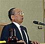 講演をする石原信雄地方自治研究機関理事長